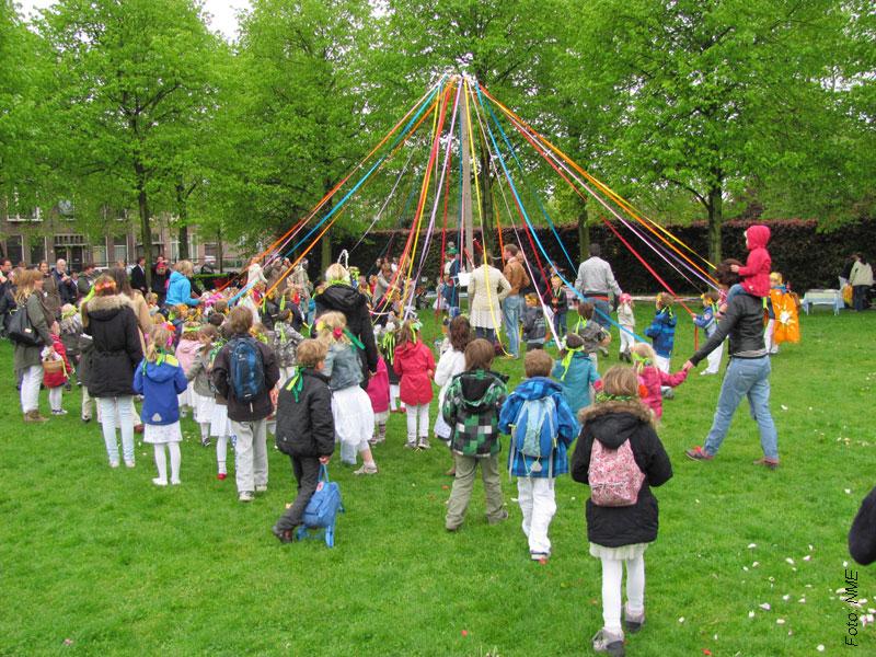 lintenboom-mei-viering-stadskweektuin